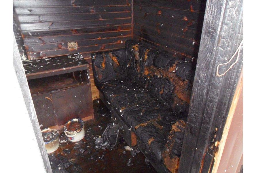 В Бердянске произошел крупный пожар: сгорела летняя кухня (ФОТО), фото-1