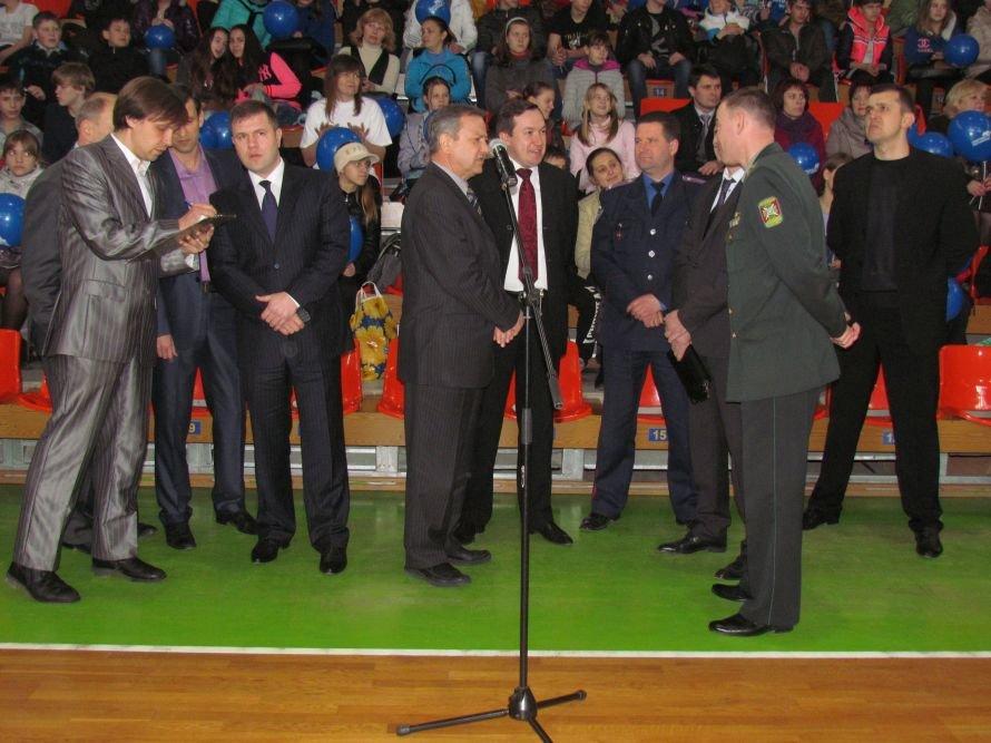 Бадминтон - в массы: в Мариуполе школьникам для соревнований вручили китайские воланчики (ФОТО), фото-6