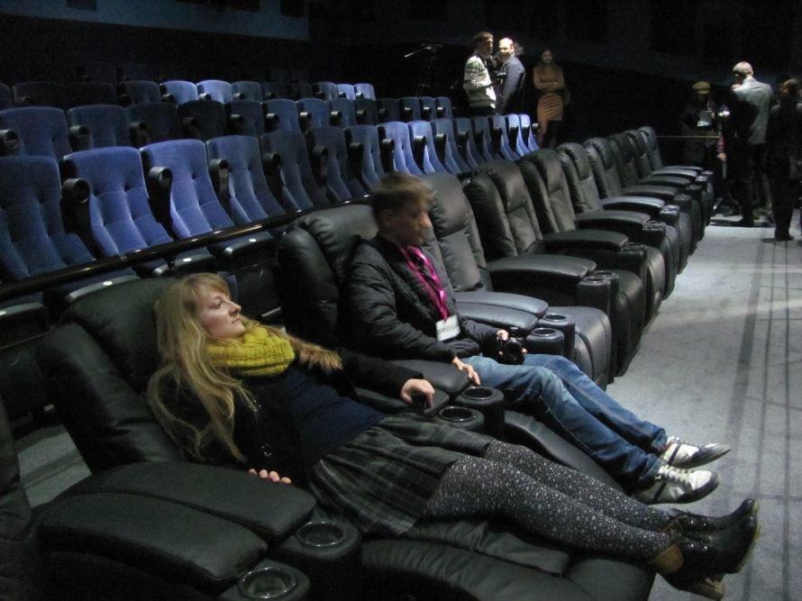 В Мариуполе открылся после реконструкции кинотеатр  «Савона», фото-7