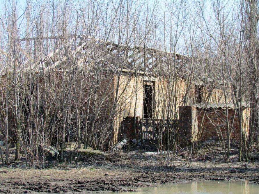 Майно колишнього колгоспу села Свердликове, знищене М.М.  Коваленком