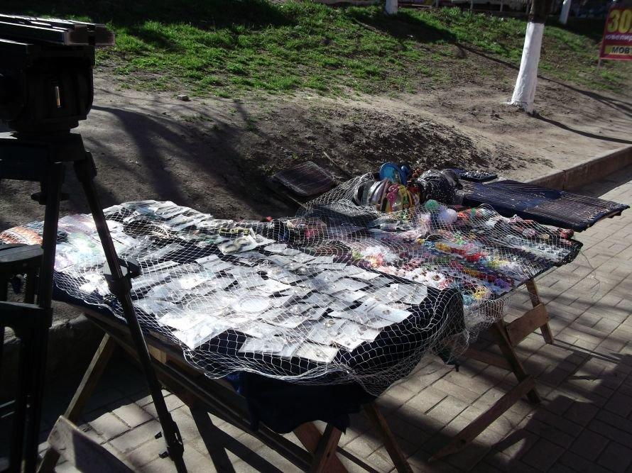 Шестое чувство? В Мариуполе во время рейда исчезли уличные торговцы (ФОТО), фото-4
