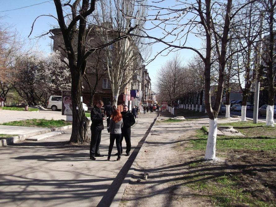Шестое чувство? В Мариуполе во время рейда исчезли уличные торговцы (ФОТО), фото-1