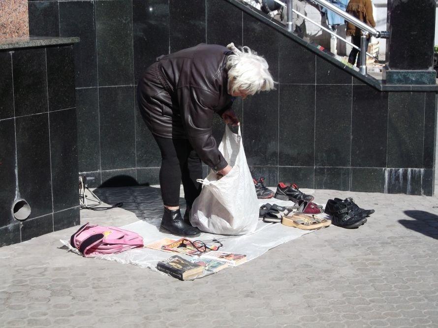 Шестое чувство? В Мариуполе во время рейда исчезли уличные торговцы (ФОТО), фото-6
