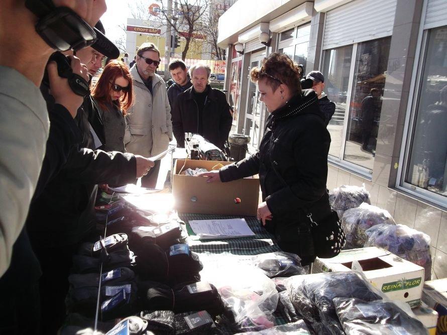 Шестое чувство? В Мариуполе во время рейда исчезли уличные торговцы (ФОТО), фото-5