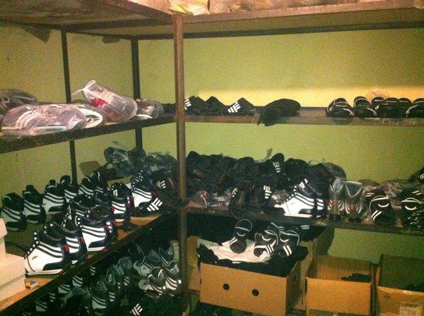 «Адидасовские» кроссовки донецкого пошива продавали через интернет по всей Украине, фото-3