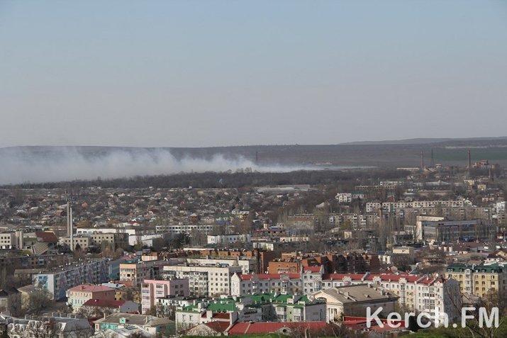 Керчь второй день задыхается от дыма горящей свалки (ФОТО), фото-1