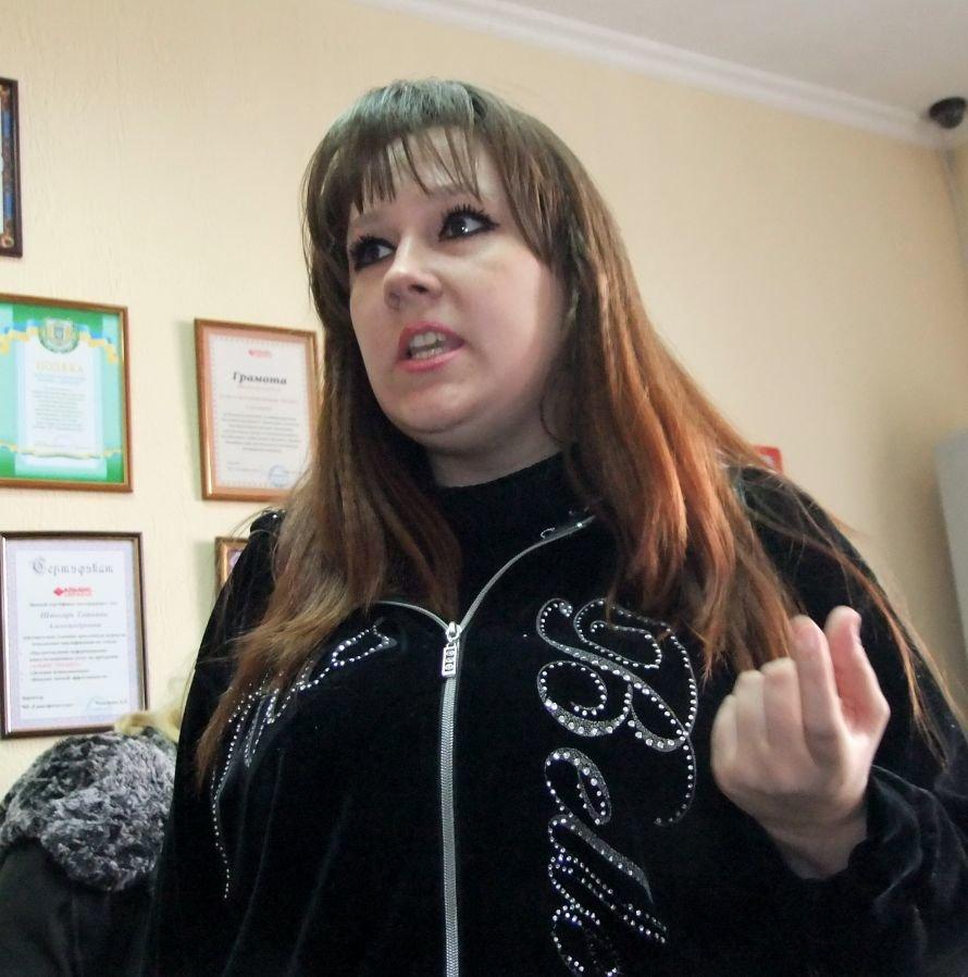 В Донецке разгневанные вкладчики с вилами штурмовали офис кредитного союза (фото, видео), фото-1