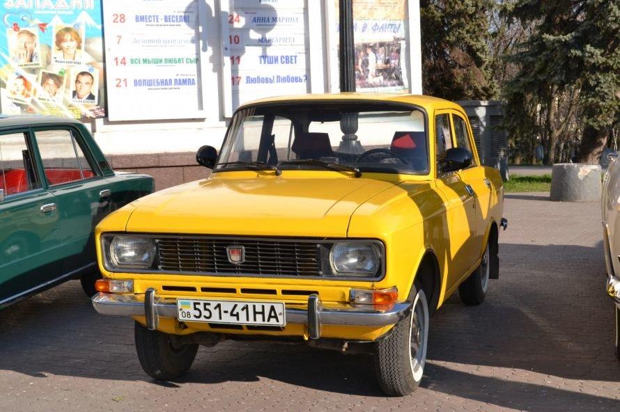 Мариупольцы «запали» на ретро-автомобили (ФОТОФАКТ), фото-2