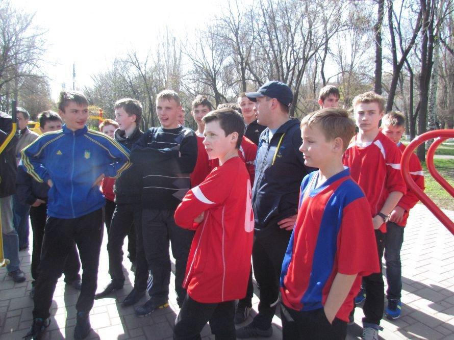 В Мариуполе Юрий Павленко посмотрел на свои уличные тренажеры (ФОТО), фото-2