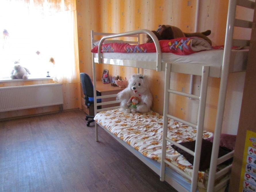 В Мариуполе детский дом семейного типа получил квартиру в новостройке (ФОТО), фото-4