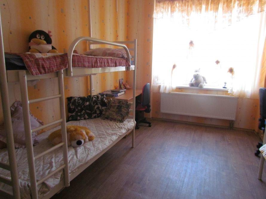 В Мариуполе детский дом семейного типа получил квартиру в новостройке (ФОТО), фото-5