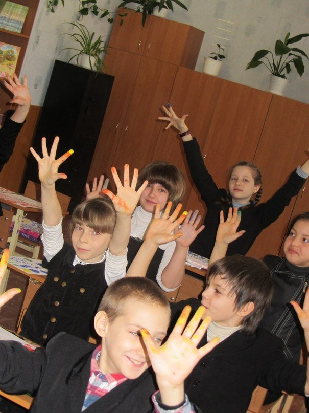 Молодежь Днепропетровска учила детей рисовать аутентичные украинские картины (ФОТОРЕПОРТАЖ), фото-1