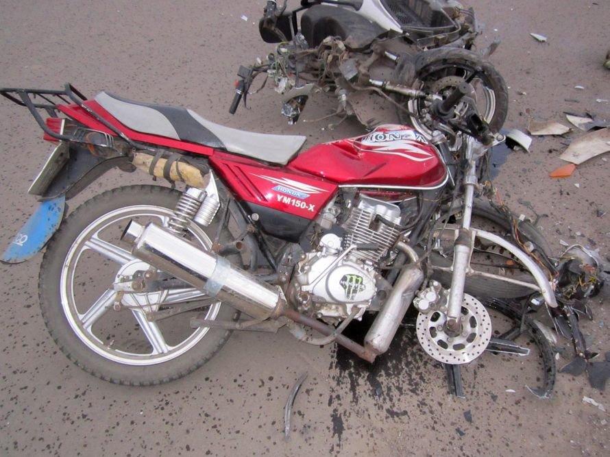 В Донецкой области в результате столкновения скутера и мотоцикла погибли двое подростков (фото), фото-1