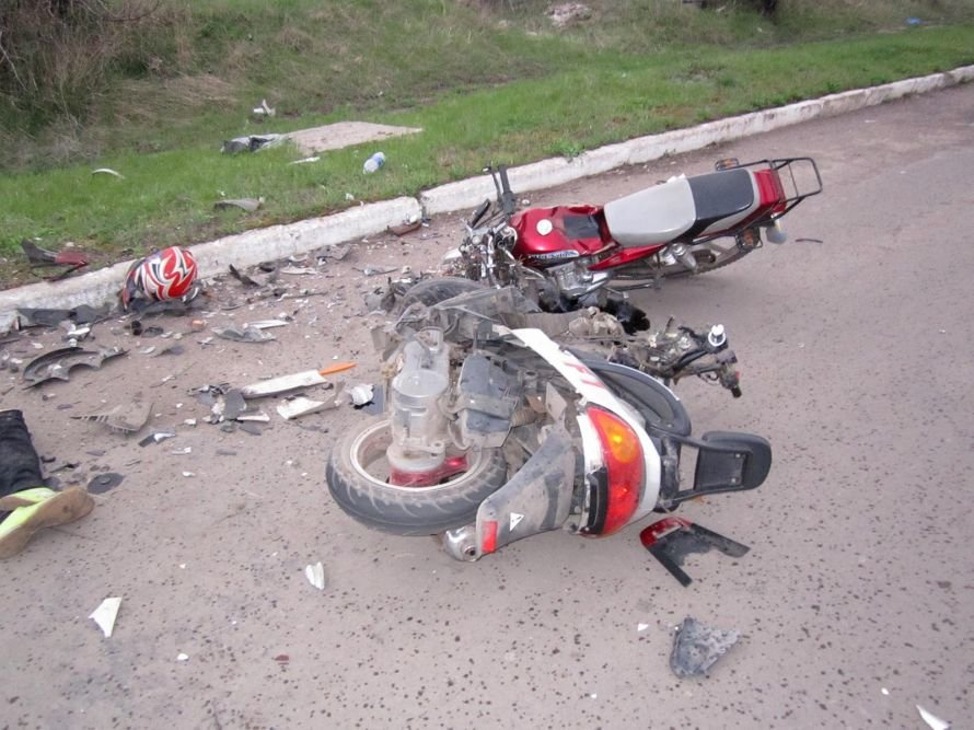 В Донецкой области в результате столкновения скутера и мотоцикла погибли двое подростков (фото), фото-2