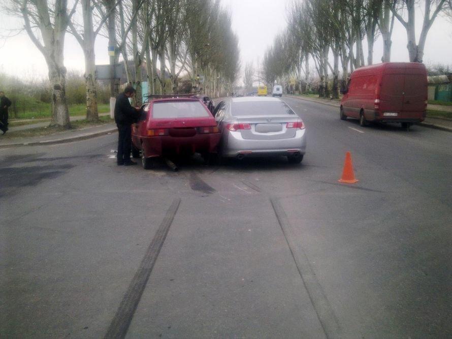 В Донецке «Хонда Аккорд» не захотела уступить дорогу «Таврии» (фото), фото-2