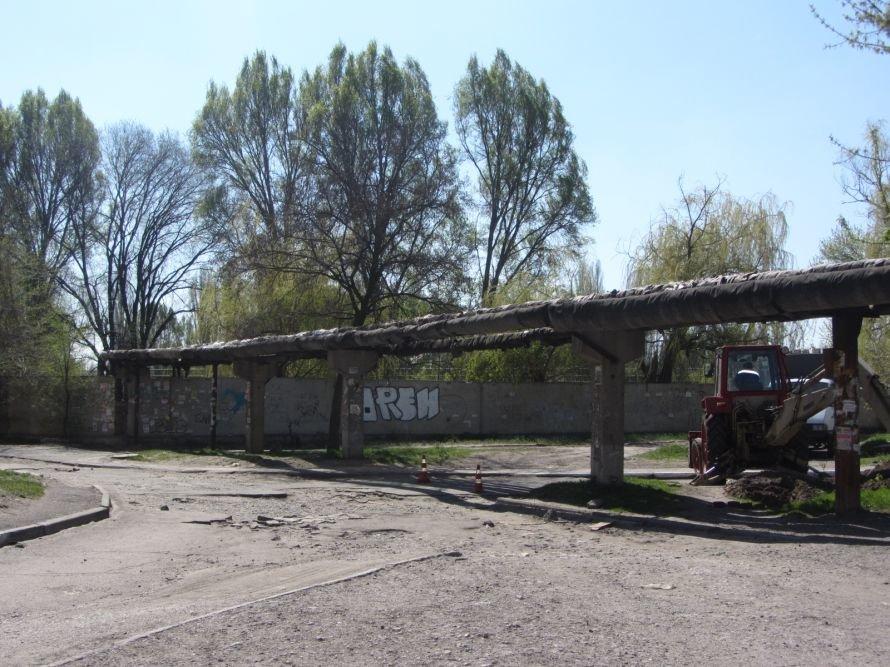23 апреля: в Днепропетровске говорили о дорожных ямах и перспективах славянской культуры, фото-1