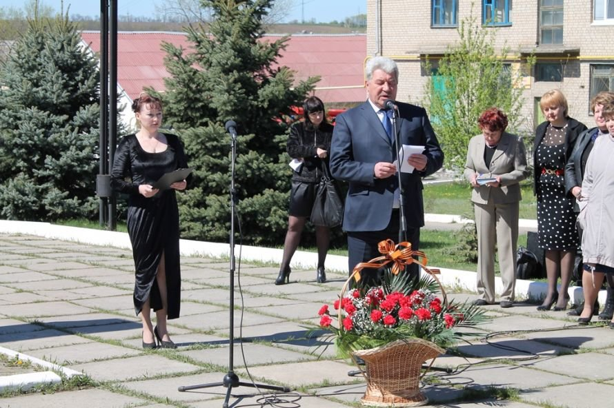 Артемовские чернобыльцы кричали «Ганьба!»  Партии Регионов, фото-4