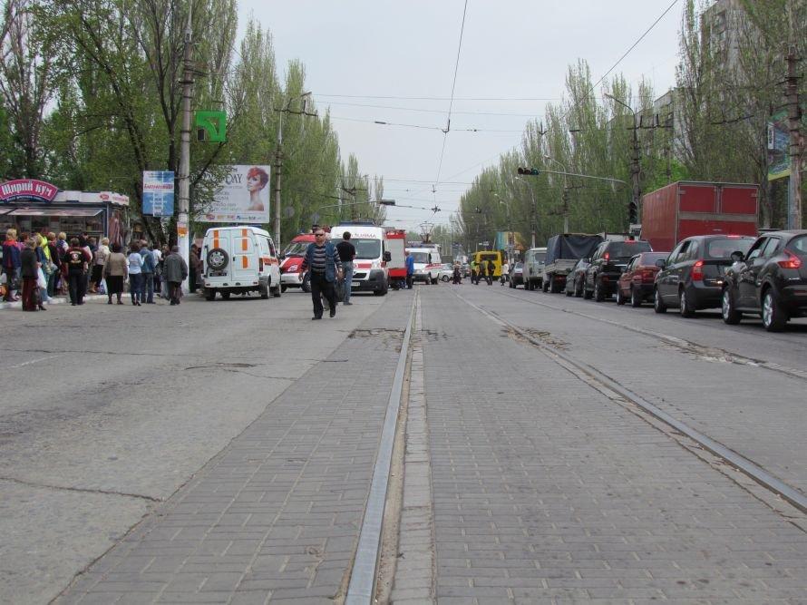 Страшная авария в центре Мариуполя! Перевернулась маршрутка. Пострадали 25 человек (ФОТО), фото-2