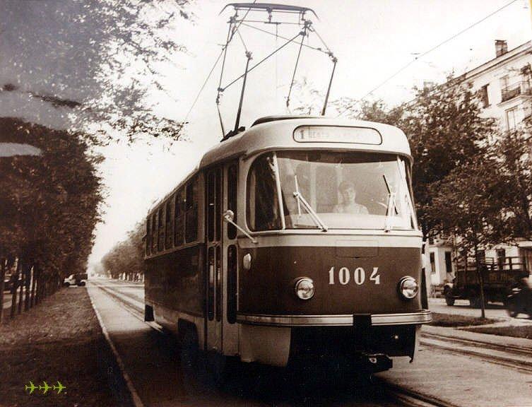 фото из музея МТТУ: вагон 1004 на 1-м маршруте.