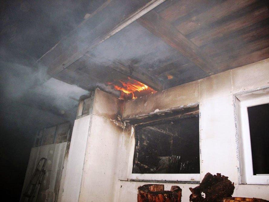 17-е мая: Янукович назвал медиков «скорой» бездушными разгильдяями и критиками, страшный пожар в Шевченковском районе (ФОТО), фото-1