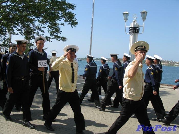 В Севастополе моряки устроили гонки на шлюпках [фото] (фото) - фото 5