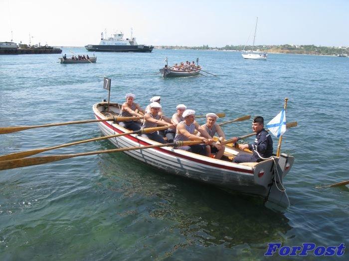 В Севастополе моряки устроили гонки на шлюпках [фото] (фото) - фото 6