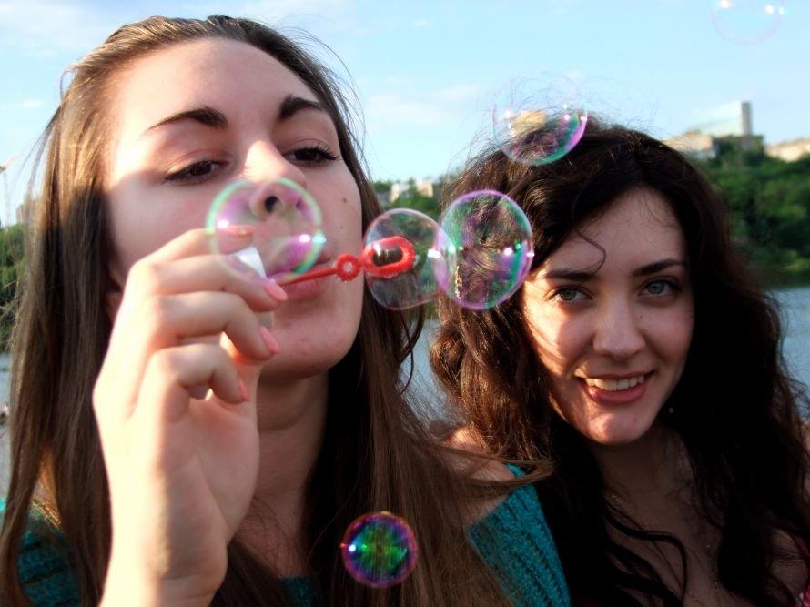 В донецком парке одновременно запустили тысячи мыльных пузырей (фото) (фото) - фото 4