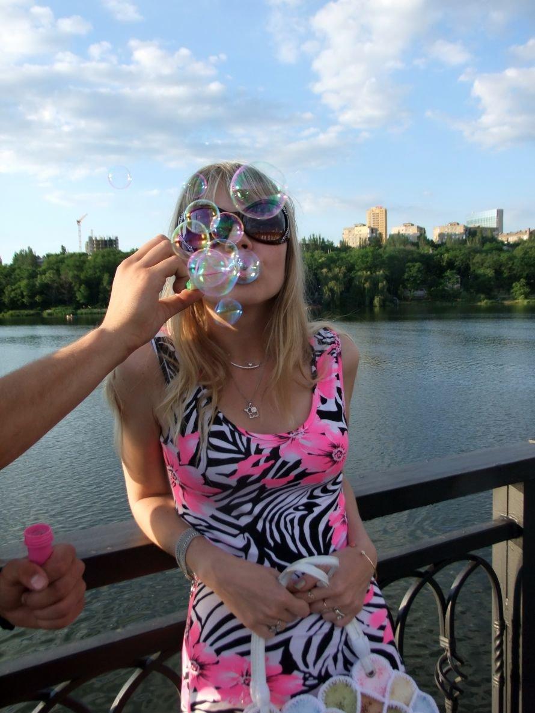 В донецком парке одновременно запустили тысячи мыльных пузырей (фото) (фото) - фото 5