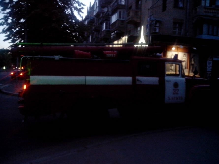 Сегодня ночью произошел пожар в общежитии ХНУРЭ (Фото) (фото) - фото 4