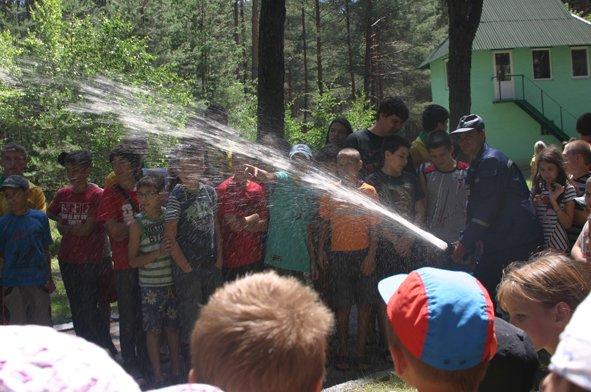 В рамках акции «Безопасный отдых» спасатели посетили лагерь «Орленок» (фото) (фото) - фото 3