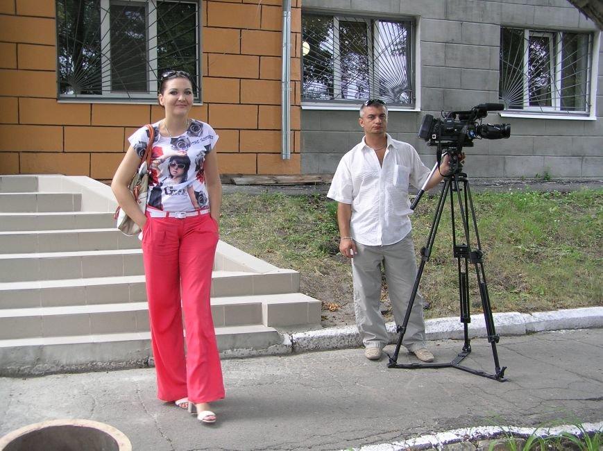 01 - Команда телекомпании Визит в ожидании обвиняемых