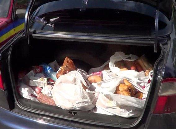 мясо в багажнику