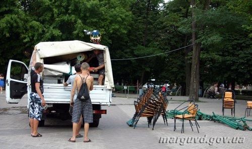 19_07_2012_Mariupol_demontaj_palatki_4