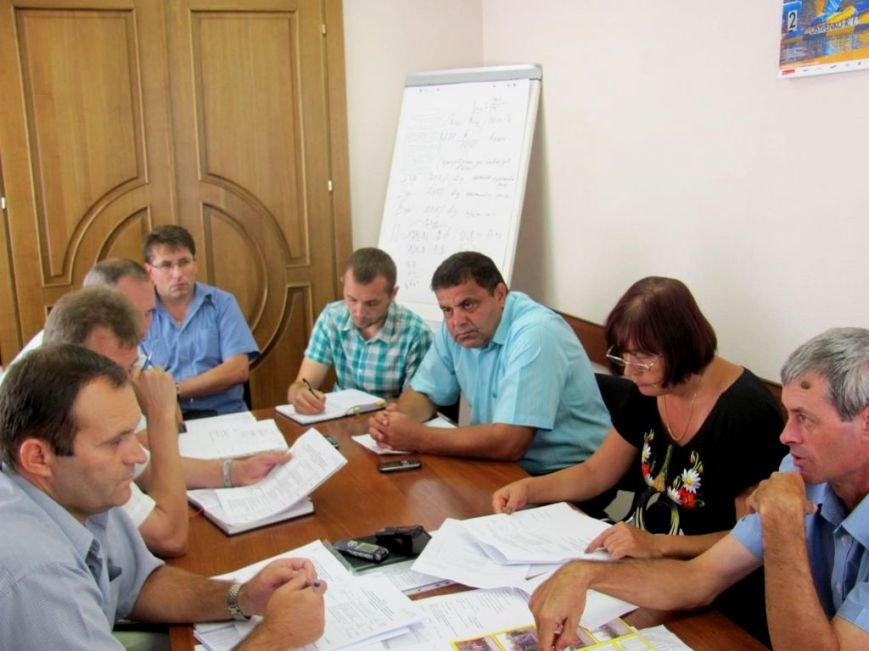 На совещании. Третий  справа - кременчужанан Владимир Чорнобук