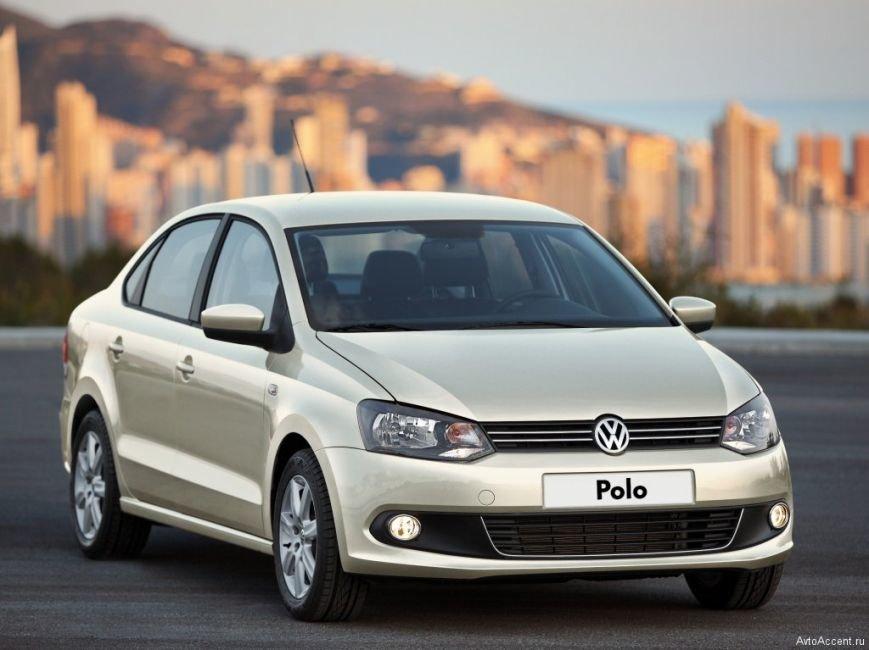 volkswagen-polo-sedan-avtomat-7