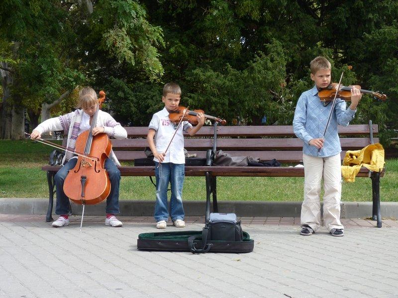 дети со срипками