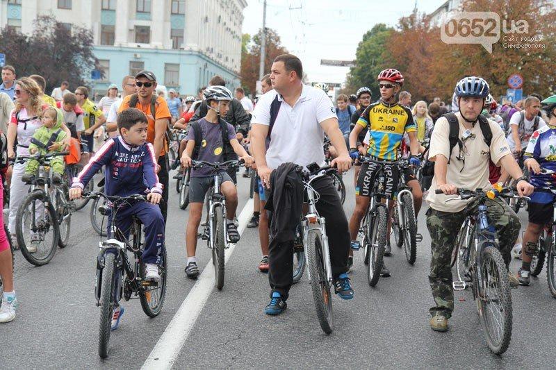 Хаялиев на велосипеде
