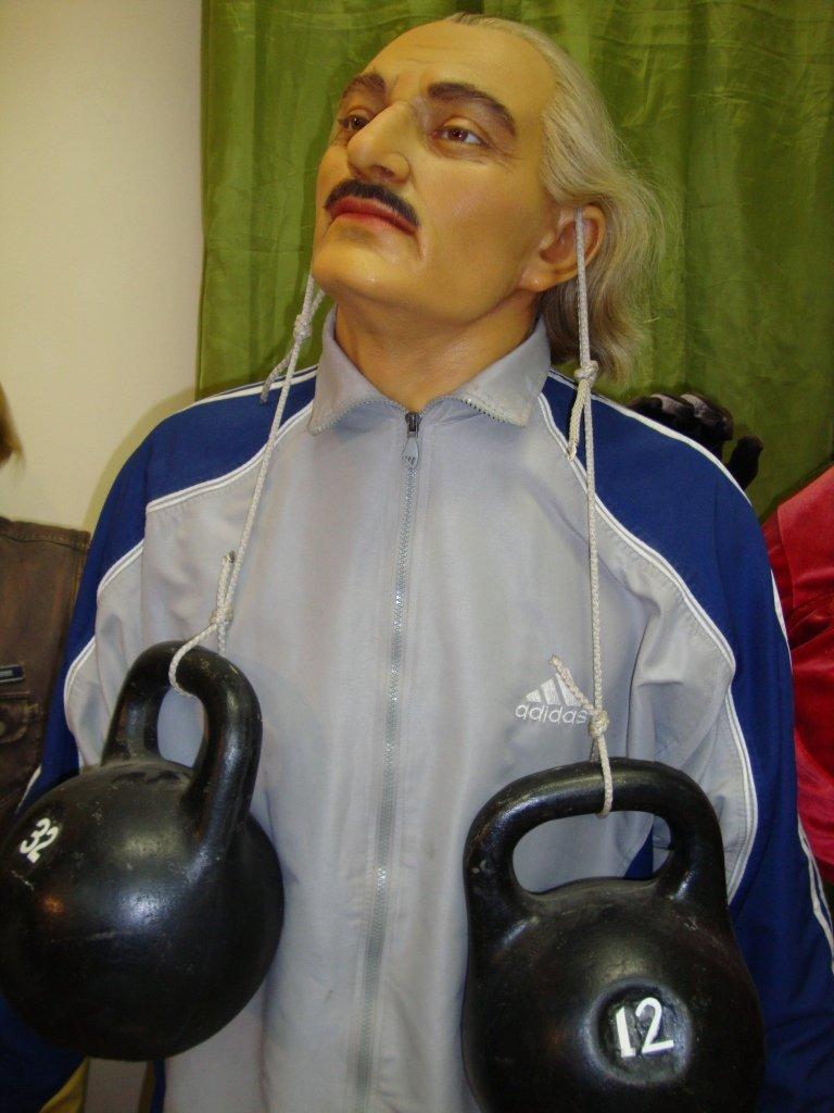 2. Дмитрия Кинкладзе (самые сильные уши)