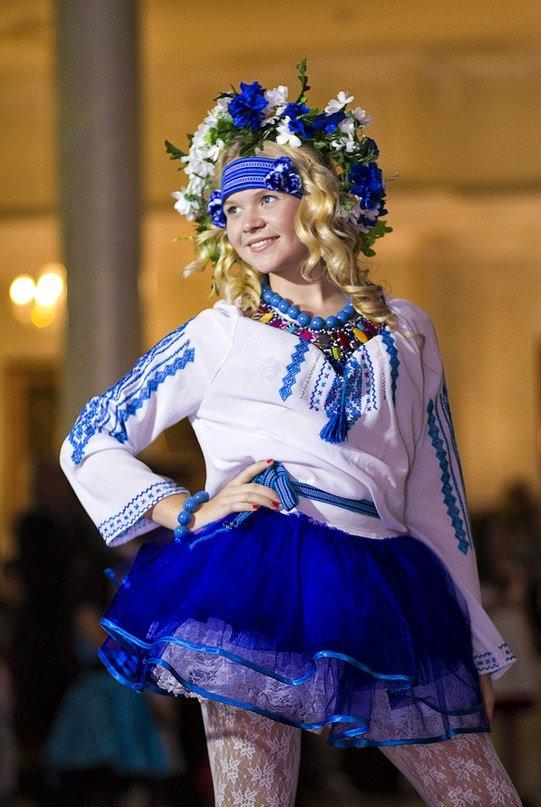 В Луганске состоялся детский бал «Золотая осень» (ФОТО) (фото) - фото 7