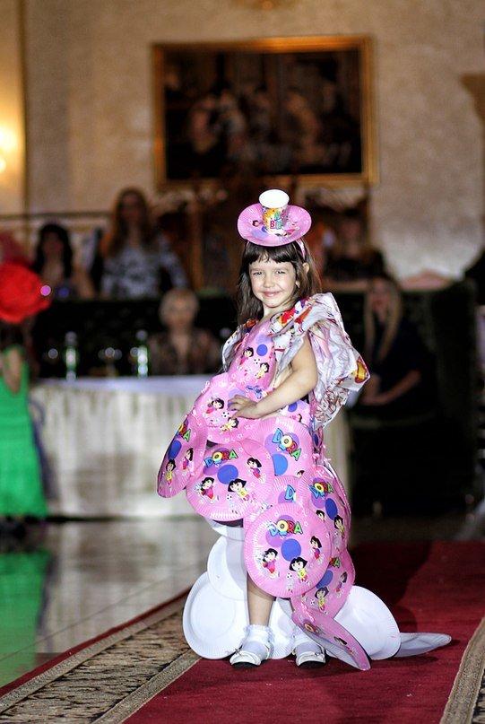 В Луганске состоялся детский бал «Золотая осень» (ФОТО) (фото) - фото 6