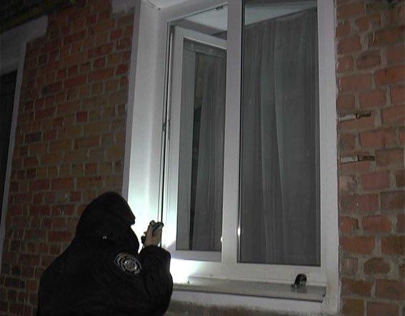 Затримати квартирного крадія допомогла сигналізація, якою обачні господарі обладнали приміщення(ФОТО)_3