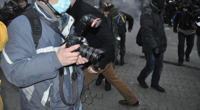 Как в Киеве штурмовали администрацию президента (фоторепортаж), фото-1