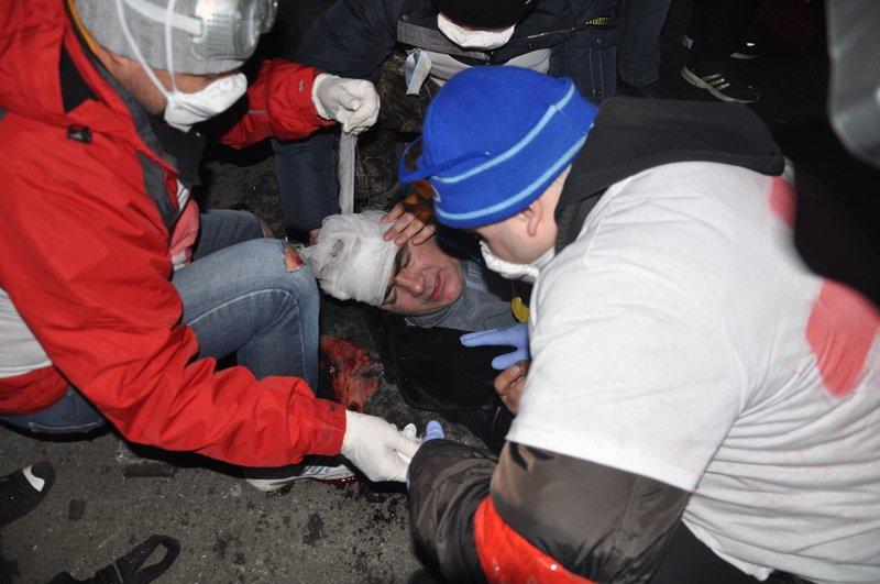 Внутренние войска при штурме администрации президента сознательно использовали как пушечное мясо, фото-3