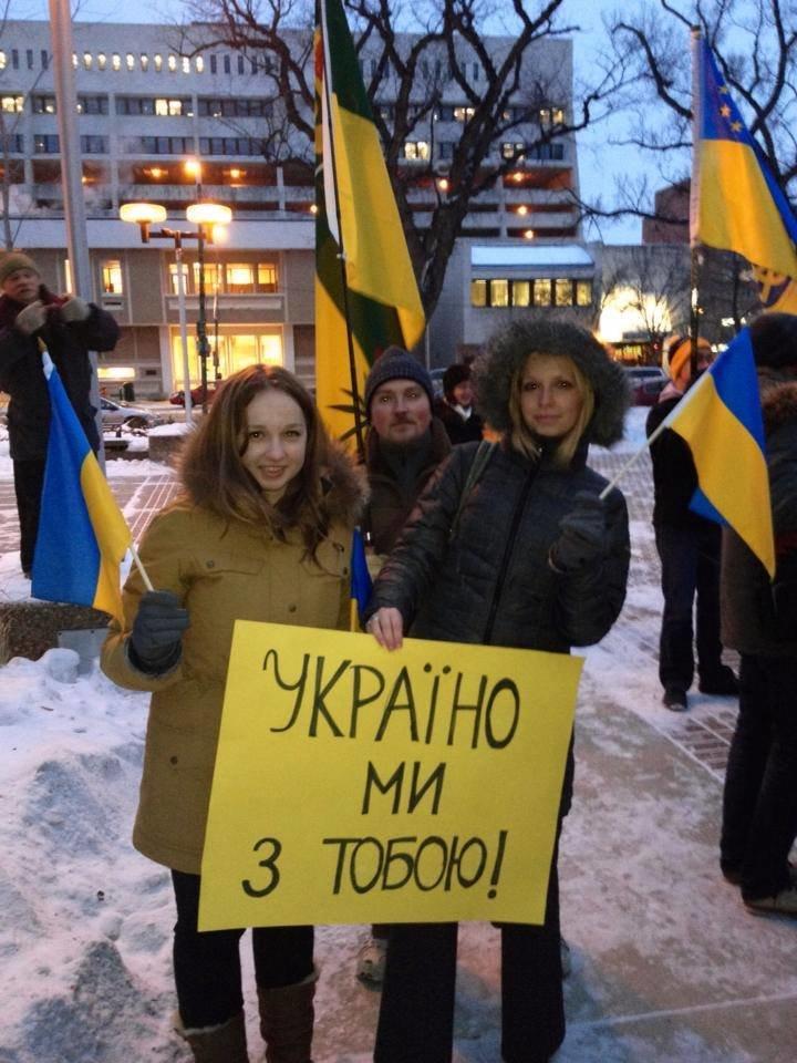 Українці в Канаді поставили хрест на Президенті (ФОТО), фото-13