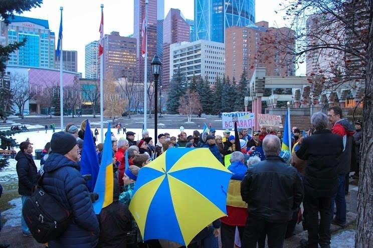 Українці в Канаді поставили хрест на Президенті (ФОТО), фото-2