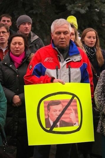 Українці в Канаді поставили хрест на Президенті (ФОТО), фото-10