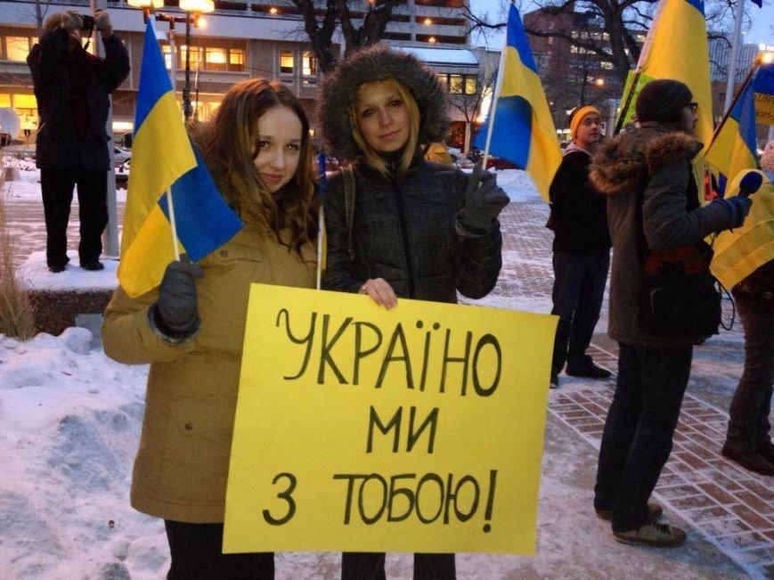 Українці в Канаді поставили хрест на Президенті (ФОТО), фото-14