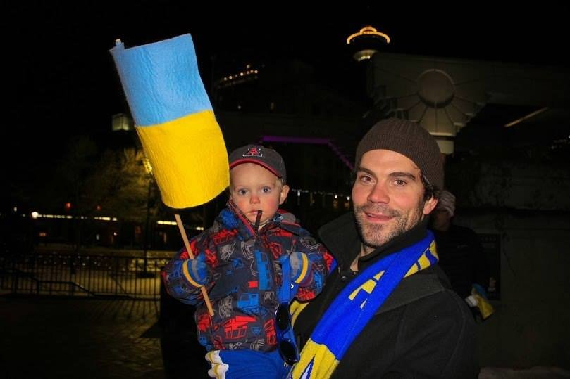 Українці в Канаді поставили хрест на Президенті (ФОТО), фото-5
