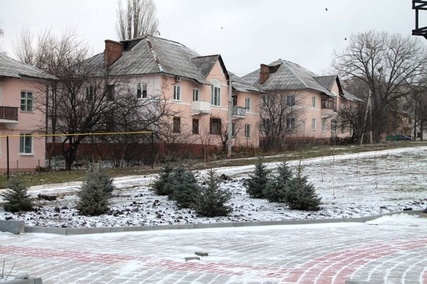 В Артемовске заканчивают благоустройство Долины роз, фото-1