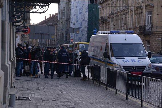 Замінування апеляційного суду у Львові виявилось злим жартом (ФОТО), фото-2